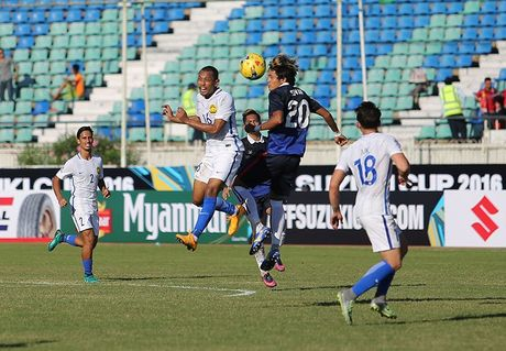 Malaysia thang hu via Campuchia tran ra quan - Anh 1