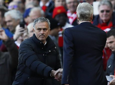 Mourinho: 'Man United la doi den dui nhat o Premier League' - Anh 1
