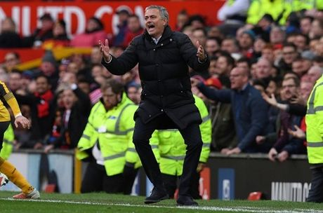 Mourinho: 'Man United la doi den dui nhat o Premier League' - Anh 3