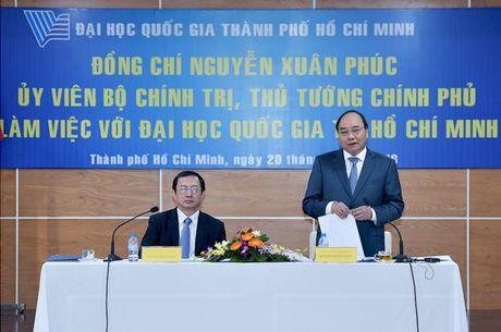 Thu tuong Nguyen Xuan Phuc lam viec voi DHQG TPHCM va du le ky niem ngay Nha giao Viet Nam - Anh 3