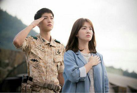 Showbiz 20/11: Tinh dich Vuong Mich rang ngoi, Hoa hau My Linh xin loi thay co sau scandal - Anh 2