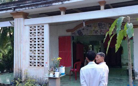 TP HCM: Con re sat hai cha me vo o huyen Binh Chanh ra dau thu - Anh 1