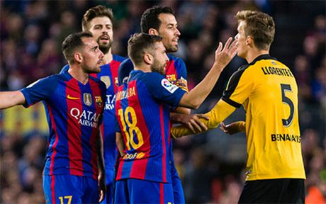 The thao 24h: Barca khoi dau La Liga te nhat ke tu thoi HLV Rijkaard - Anh 1