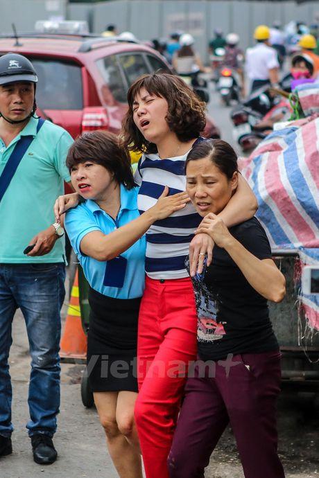 Ha Noi: 'Ba hoa' thieu rui 4 can nha tren duong Tran Khat Chan - Anh 13
