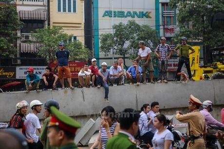 Ha Noi: 'Ba hoa' thieu rui 4 can nha tren duong Tran Khat Chan - Anh 18