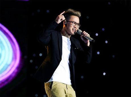 Chang trai chuyen gioi Thai Nguyen 'gay bao' tai Sing my song - Anh 2