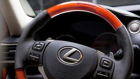 Lexus IS phien ban 'tuong ot' Sriracha doc nhat vo nhi - Anh 5