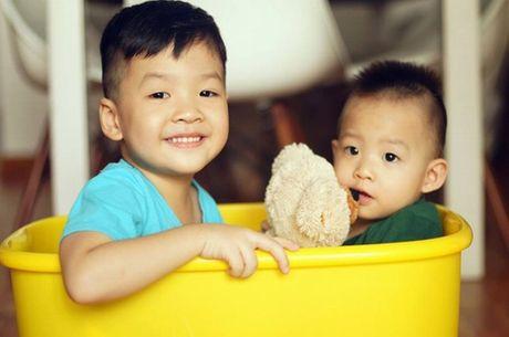 Hai con trai dang yeu, khau khinh cua Dan Le - Khai Anh - Anh 5