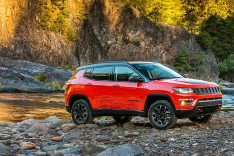 2017 Jeep Compass ra mat, thay the 'lao gia' Patriot - Anh 1