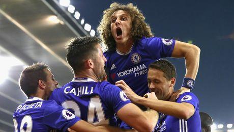 David Luiz xem nhe ngoi dau cua doi nha - Anh 1