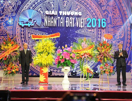 Nhung hinh anh duoc mong cho nhat dem trao giai Nhan tai Dat Viet 2016 - Anh 1
