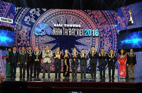 Nhung hinh anh duoc mong cho nhat dem trao giai Nhan tai Dat Viet 2016 - Anh 8