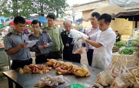 TIN NONG ngay 21-11: Chay lon o Tran Khat Chan, khong ai thiet mang - Anh 3