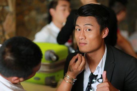 """Mac Hong Quan lan dau dong phim da tro tai """"anh hung cuu my nhan"""" - Anh 4"""