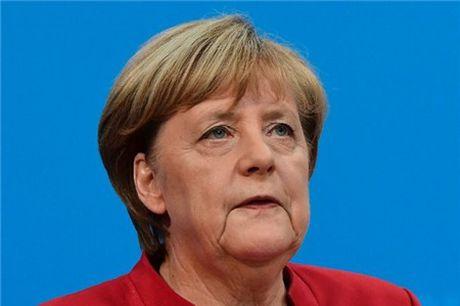 Ba Merkel se tranh cu nhiem ky thu tuong thu tu - Anh 1