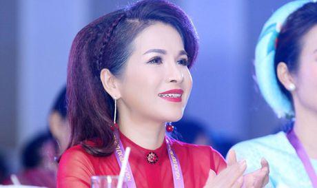 Hoa hau Le Thanh Thuy rang ngoi lam giam khao Hoa khoi Xu Dua 2016 - Anh 1