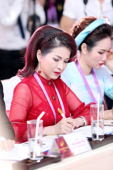 Hoa hau Le Thanh Thuy rang ngoi lam giam khao Hoa khoi Xu Dua 2016 - Anh 9
