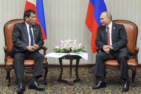Duterte ra suc 'lam than' voi Tap Can Binh, Putin - Anh 1
