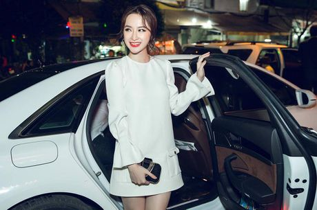 Angela Phuong Trinh tre trung, sanh doi Vo Canh ra mat 'Su menh trai tim' - Anh 2
