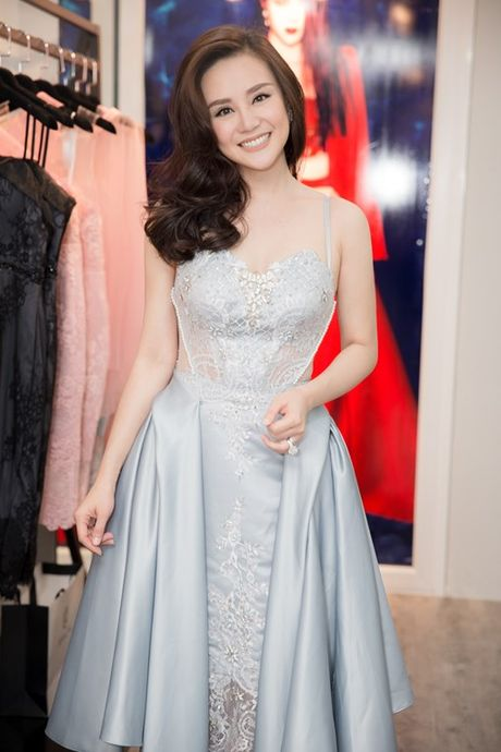Vy Oanh hao hung khoe con trai 'hot boy' - Anh 6