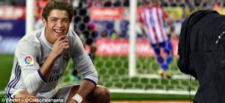 Ronaldo an mung kieu moi: Cong dong mang phat sot - Anh 8