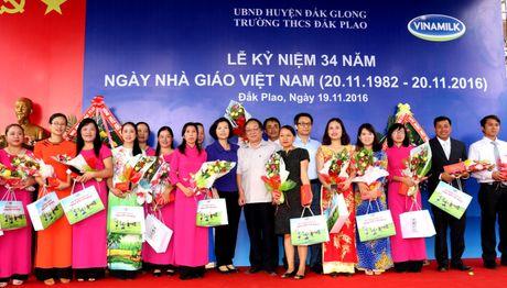 Vinamilk tien phong mang chuong trinh sua hoc duong den voi tre em Dak Nong - Anh 10