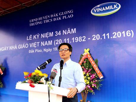 Vinamilk tien phong mang chuong trinh sua hoc duong den voi tre em Dak Nong - Anh 1