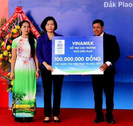 Vinamilk tien phong mang chuong trinh sua hoc duong den voi tre em Dak Nong - Anh 8