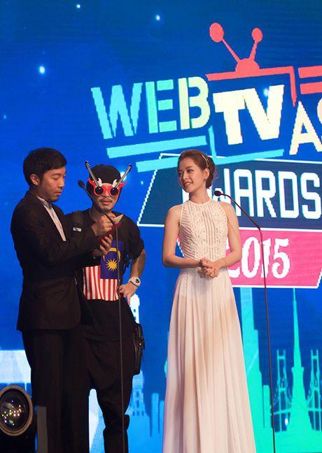 Chi Pu tiep tuc sang Han Quoc du WebTV Asia Awards cung SNSD - Anh 2