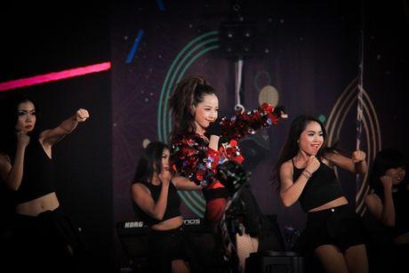 Chi Pu tiep tuc sang Han Quoc du WebTV Asia Awards cung SNSD - Anh 4