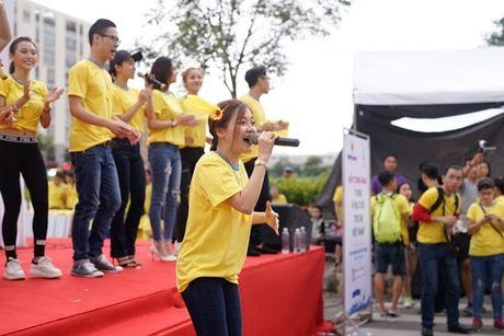 Mai Ngo, Lilly Nguyen, Nam Em cung dan nghe si chay bo tu thien - Anh 17