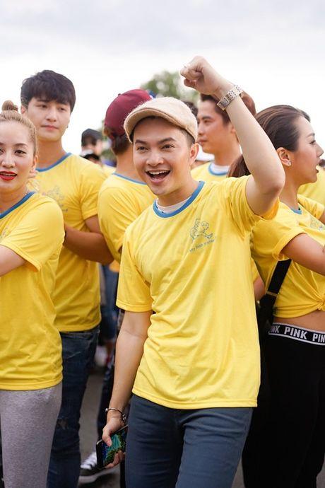 Mai Ngo, Lilly Nguyen, Nam Em cung dan nghe si chay bo tu thien - Anh 23