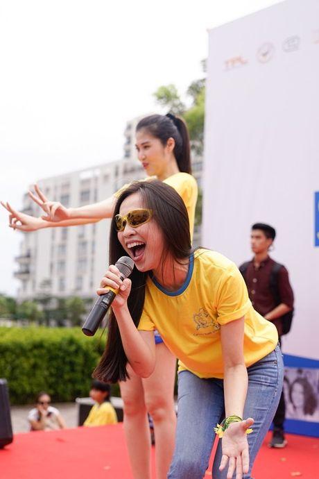 Mai Ngo, Lilly Nguyen, Nam Em cung dan nghe si chay bo tu thien - Anh 28