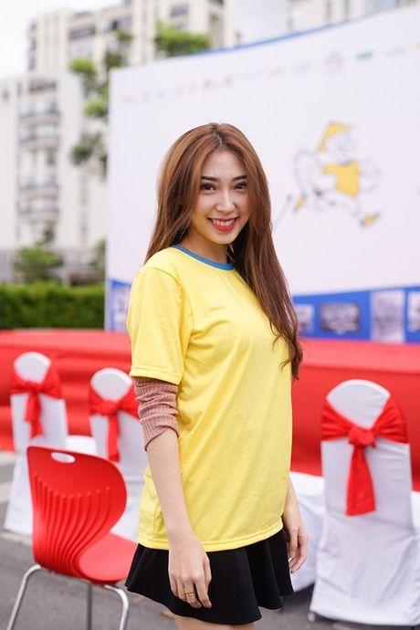 Mai Ngo, Lilly Nguyen, Nam Em cung dan nghe si chay bo tu thien - Anh 32