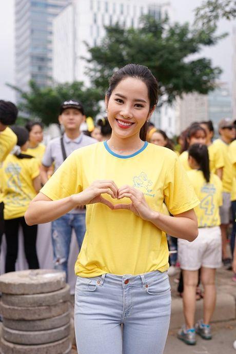 Mai Ngo, Lilly Nguyen, Nam Em cung dan nghe si chay bo tu thien - Anh 5