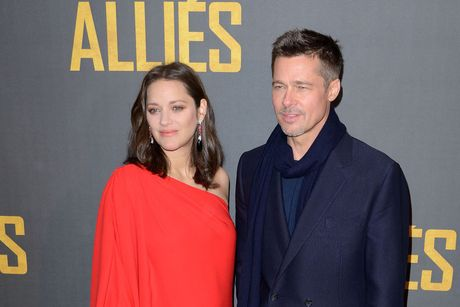 Brad Pitt va Marion Cotillard tham thiet o Paris - Anh 1