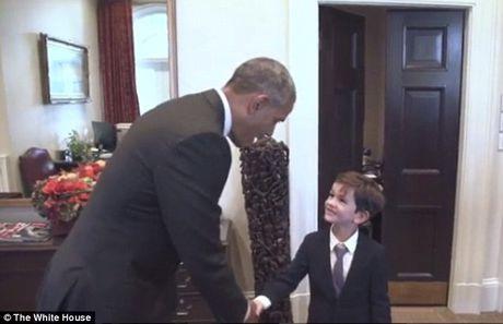 Tong thong Obama gap cau be muon giup do 'em be Syria' - Anh 1