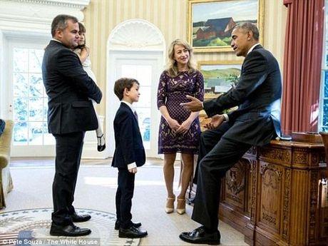 Tong thong Obama gap cau be muon giup do 'em be Syria' - Anh 3