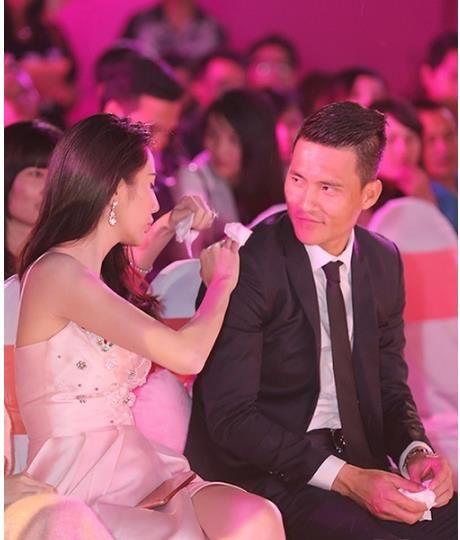 Khoanh khac ngot ngao o doi thuong cua Cong Vinh-Thuy Tien - Anh 3