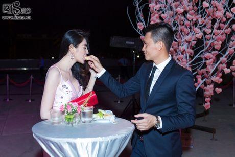 Khoanh khac ngot ngao o doi thuong cua Cong Vinh-Thuy Tien - Anh 5