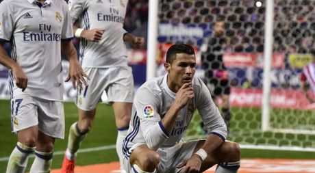 Dan cu mang che anh an mung ban thang cua Cristiano Ronaldo - Anh 1