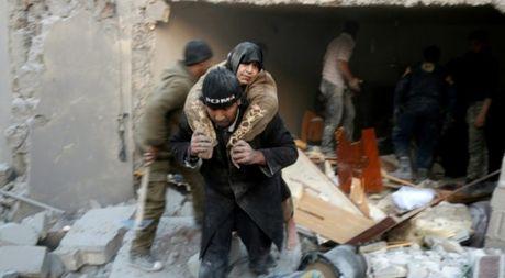 Lien Hop Quoc canh bao ve 'tham hoa nhan dao' tai Aleppo - Anh 1