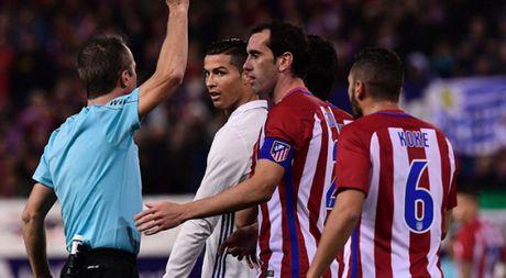 Cristiano Ronaldo: 'Tao la mot thang dong tinh giau co!' - Anh 1