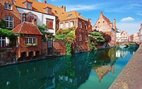 Bruges - ngoi lang binh yen me hoac long nguoi - Anh 1