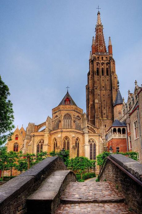 Bruges - ngoi lang binh yen me hoac long nguoi - Anh 2