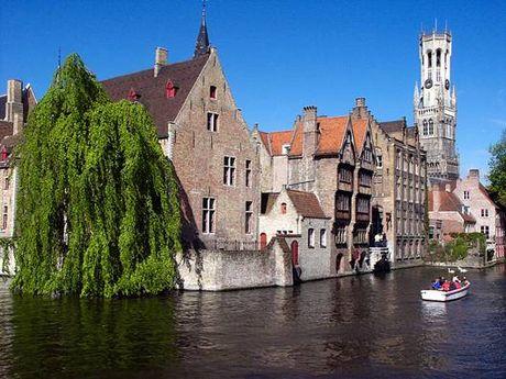 Bruges - ngoi lang binh yen me hoac long nguoi - Anh 4