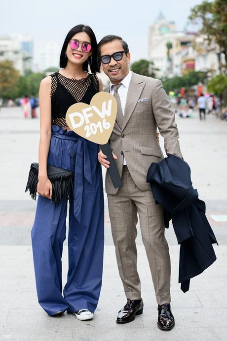 Xuan Lan va dan chan dai cam bang hashtag ton vinh nu quyen tren pho di bo - Anh 18