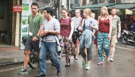 Tour kham pha Pho co mien phi: Hon ca mong doi - Anh 1