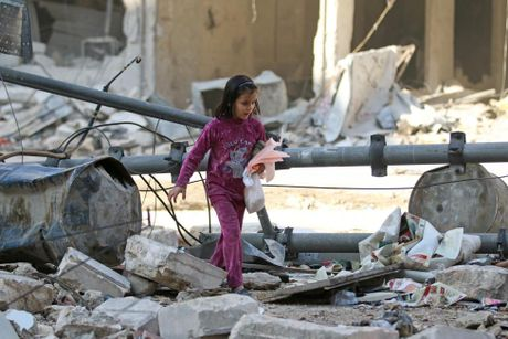 Mau va nuoc mat van roi noi 'chao lua' Aleppo - Anh 11