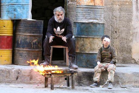 Mau va nuoc mat van roi noi 'chao lua' Aleppo - Anh 12